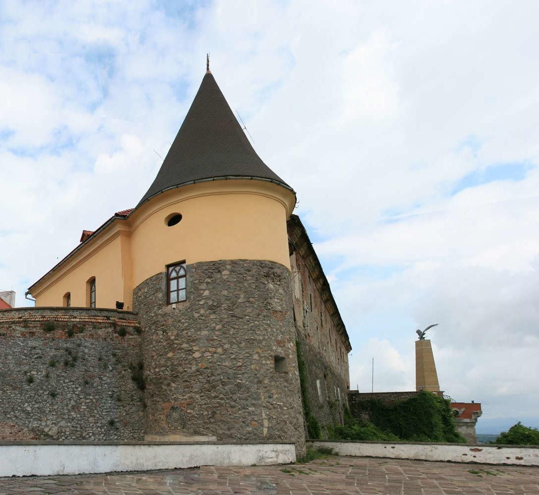 Burg_Mukachevo1